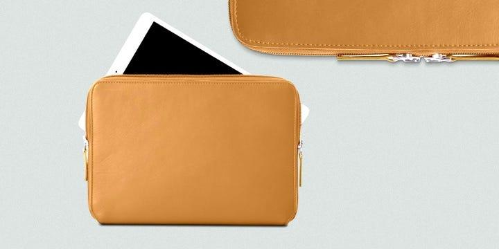 """Pochette Zippée Pour iPad Pro 12,9"""" 2018 - Rouge - Cuir Grainé"""