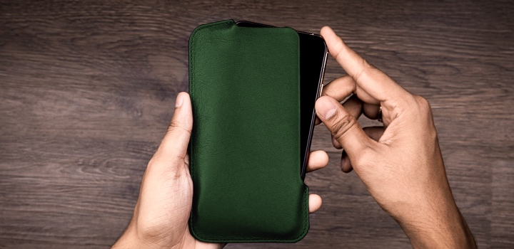 Fourreau iPhone 11 Pro Max - Vert Foncé - Cuir Lisse